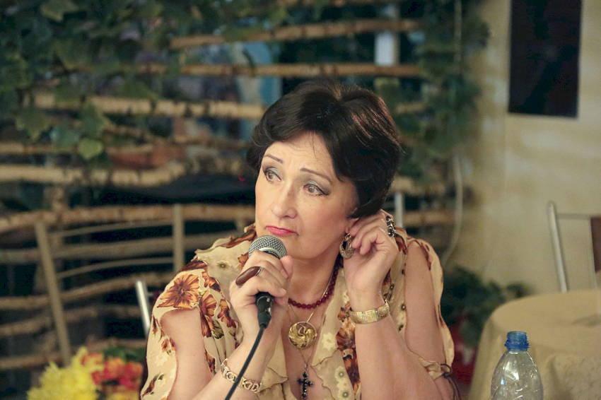 Зинаида Кириенко — почетный гость и член жюри фестиваля 'Старые добрые песни'