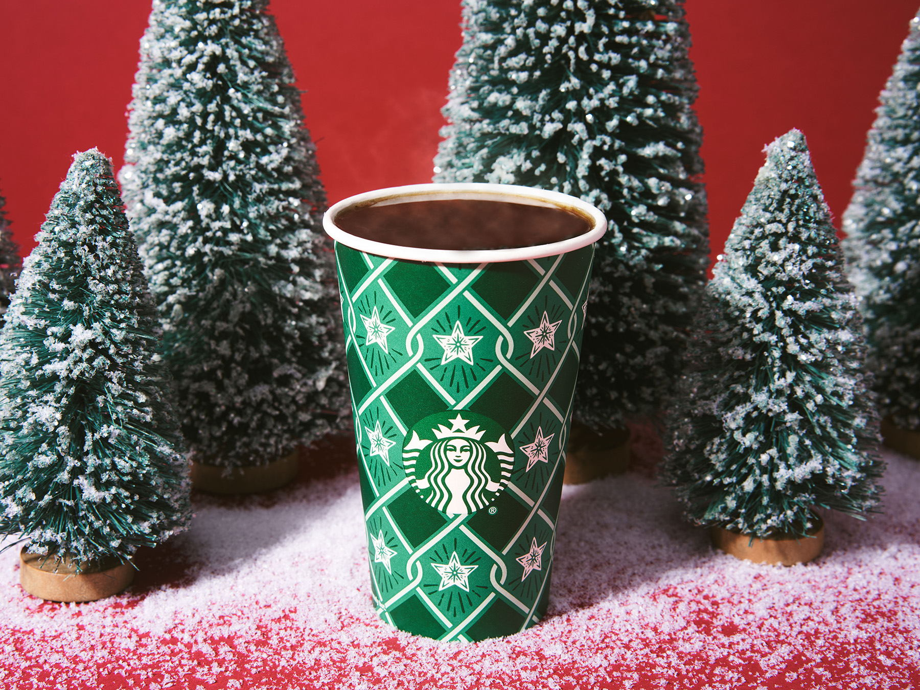 The_Dieline_Starbucks_Holiday-JStrutz-103118-0630_1.jpg