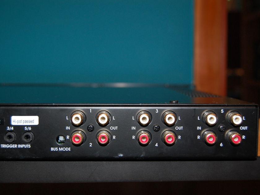 Elan D660/D661 6-Channel Digital Power Amplifier