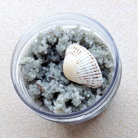 скраб для тела морской с водорослями  FIGURA
