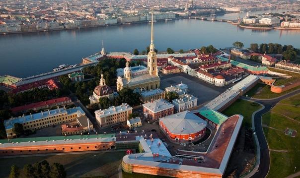 Обзорная экскурсия с посещением Петропавловской крепости для орг. групп