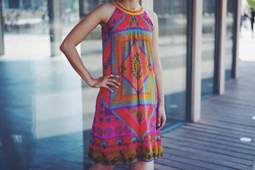 Яркое платье Global Desi