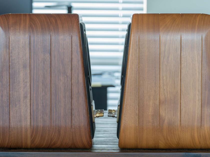 Sonus Faber Electa Amator II Seductive Sound and Design.  Price reduced 07/06.