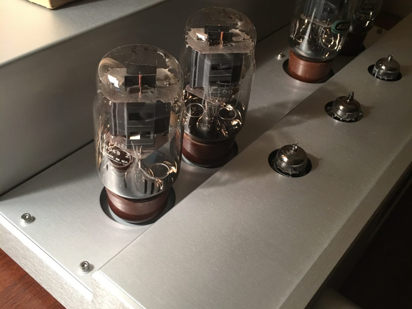 Octave Audio  V70 SE Like new ** Reduced** MC Phono Available. Not installed yet