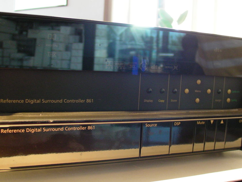 Meridian 861Digital Surround controller reference standard