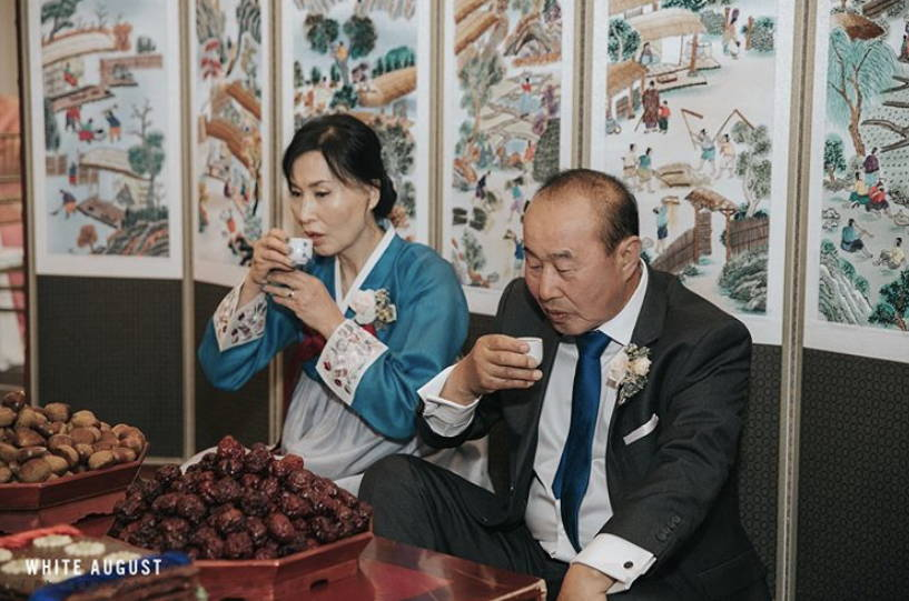 KOREAN TRADITIONAL PAEBAEK TEA CEREMONY PARENTS