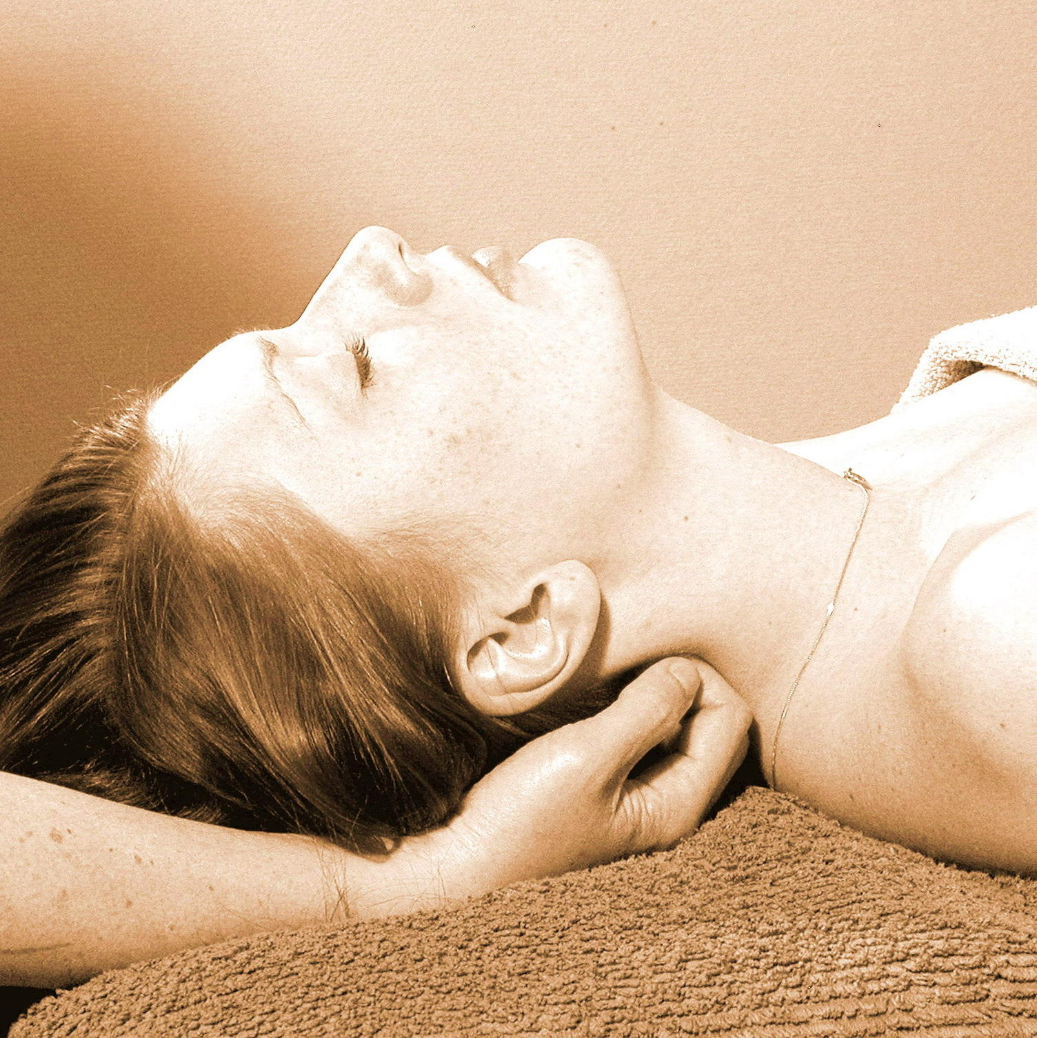 Tumba Hälsocenter A-Praktiken Massage terapi 4479c9ce70a77