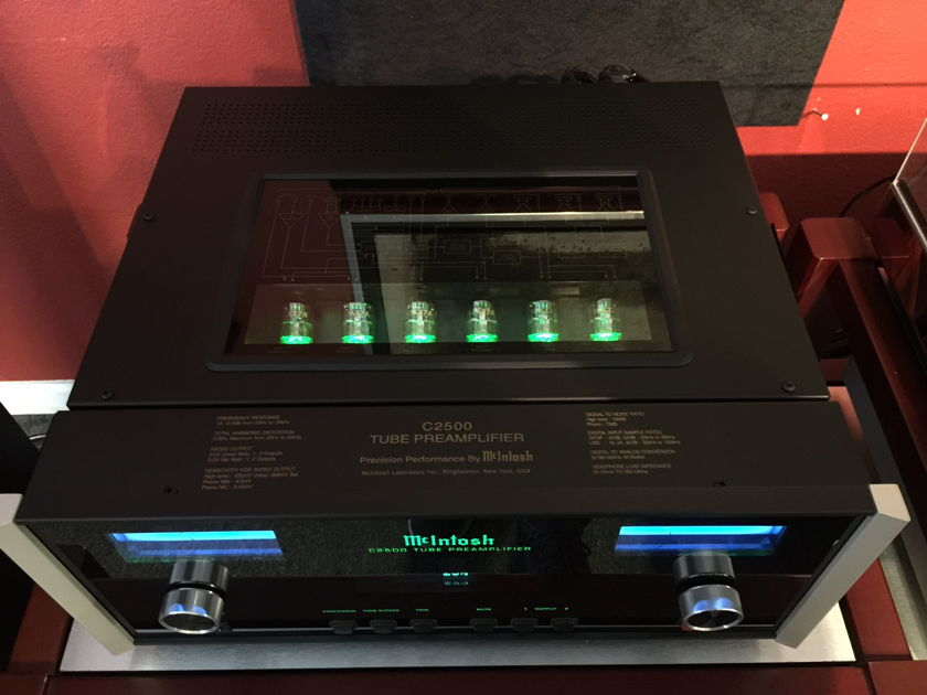 McIntosh C2500 Demo   Free Shipping in cont US