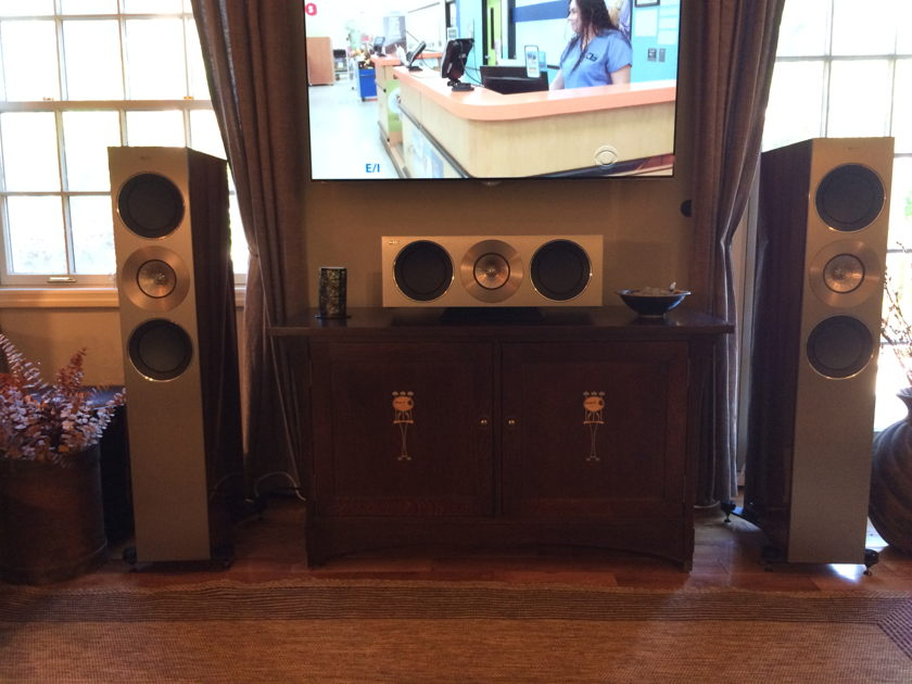 KEF Reference  3 Towers and  2C Center Rosewood - Pristine Condition