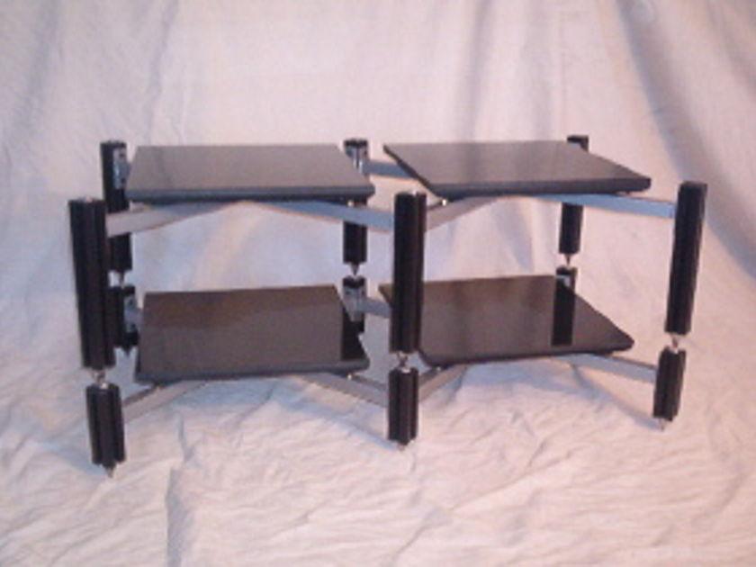 Adona AV45CS-4dw low profile isolation rack
