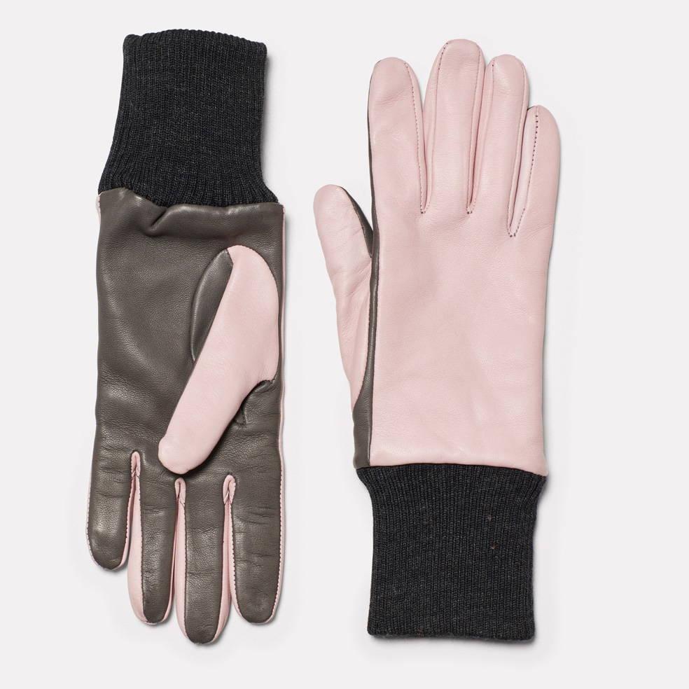 Gloves in Pink