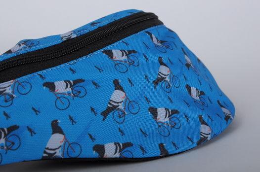 Поясная сумка с голубями пацанами