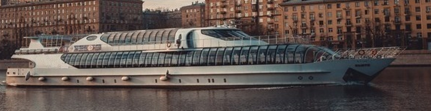 Cruise on the Moscow River (from the Gorky Park)