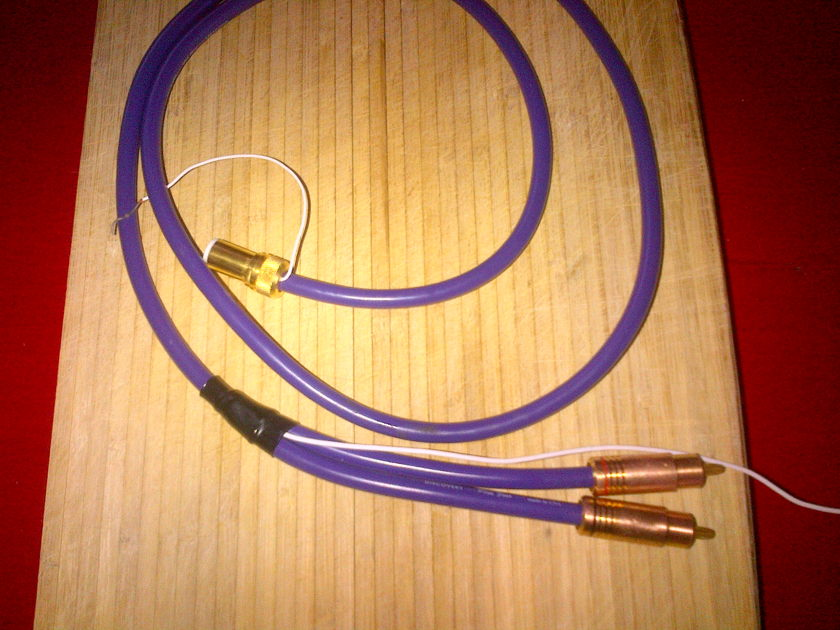 Discovery Cable Plus 4 DIN to RCA