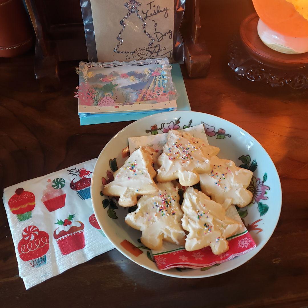 Sugar cookies w icing