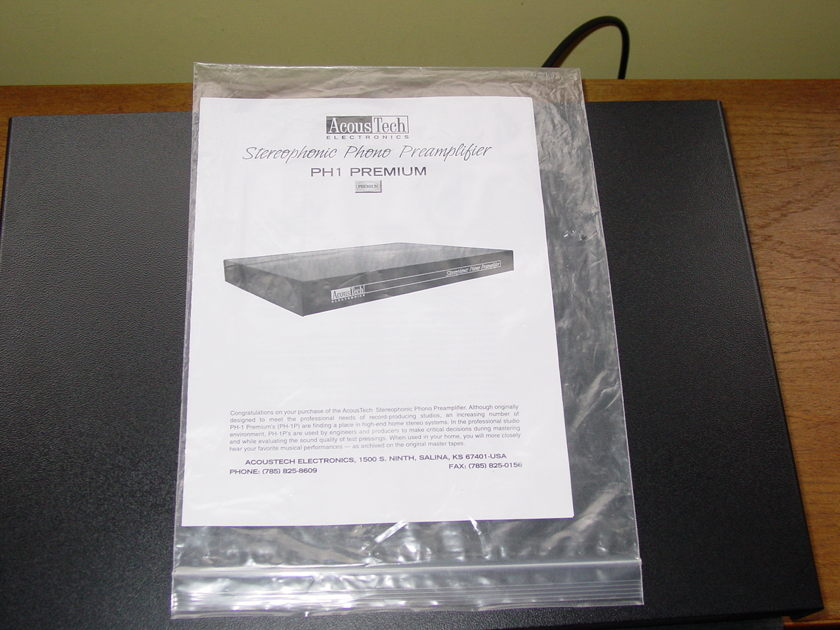 AcousTech PH-1P (Premium) mint condition with manual