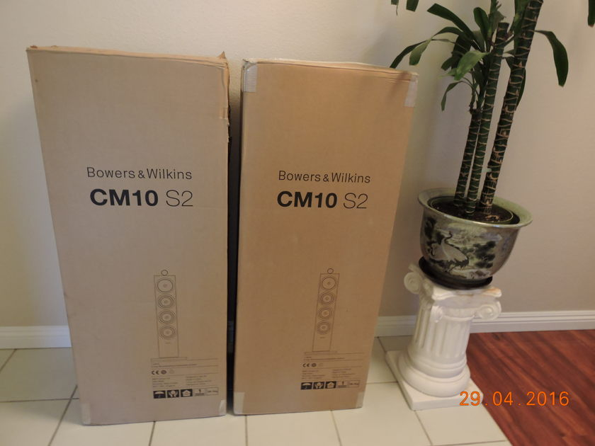 Bowers and Wilkins CM10 S2 B&W CM10 S2 speakers in Gloss black