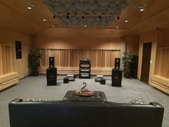 Audio Limits showroom by SMT