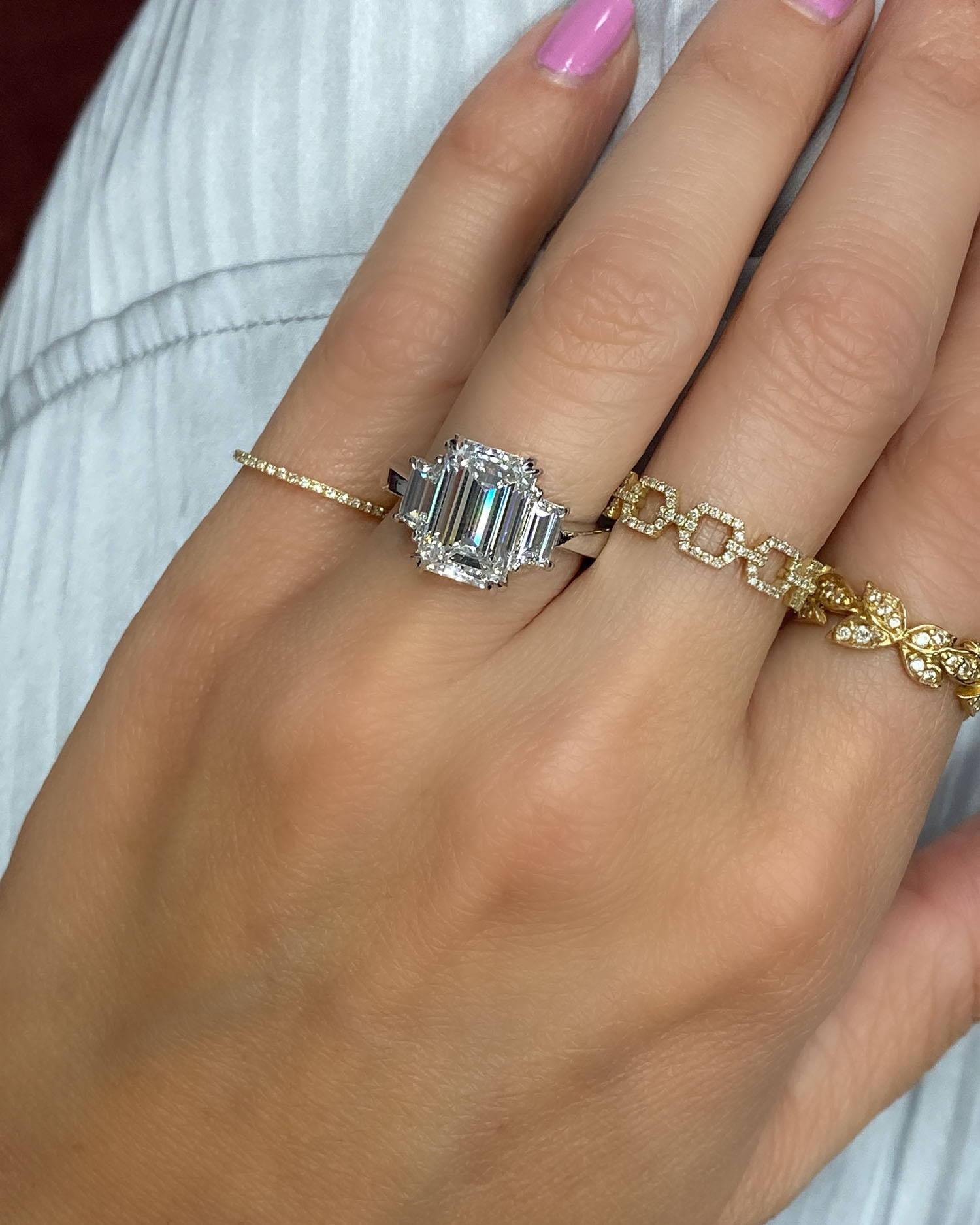 Miss Diamond Ring 3 Carat 4 Carat Emerald Diamond Engagement Ring