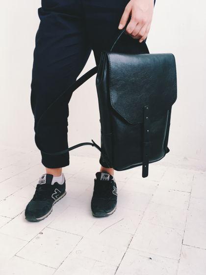 Рюкзак черный кожаный маленький