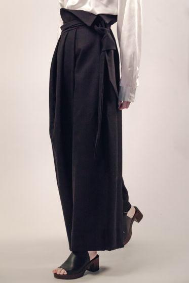 Черные шерстяные брюки с эффектом запаха