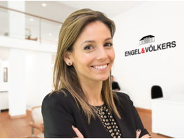 Alba Vallès - HR Business Partner