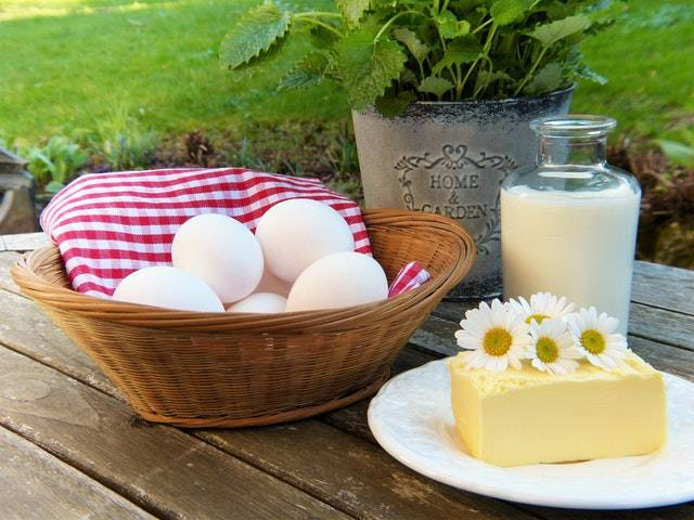 Low-fat dairy is bad for keto.