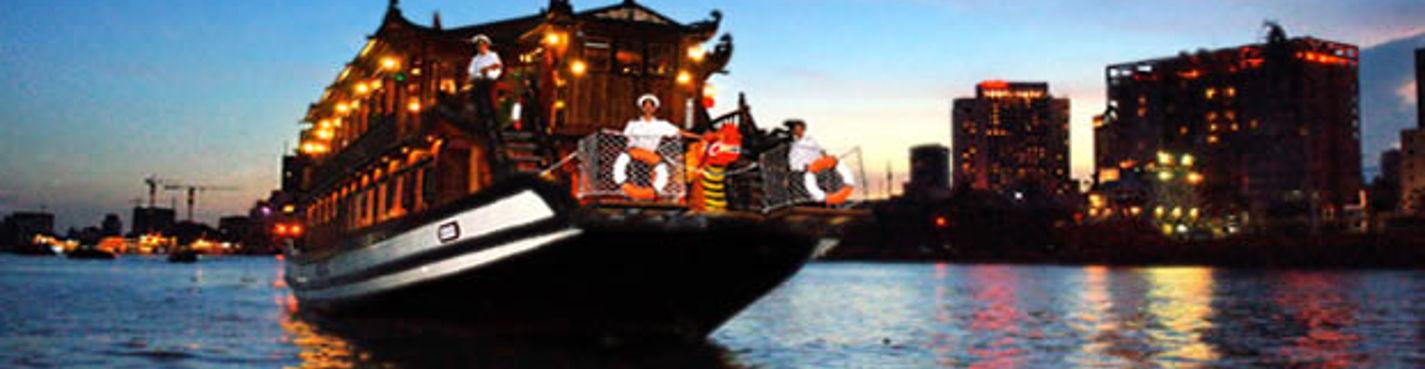 Ужин на корабле Bonsai Cruise
