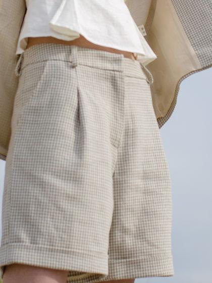 Льняные шорты в гусиную лапку