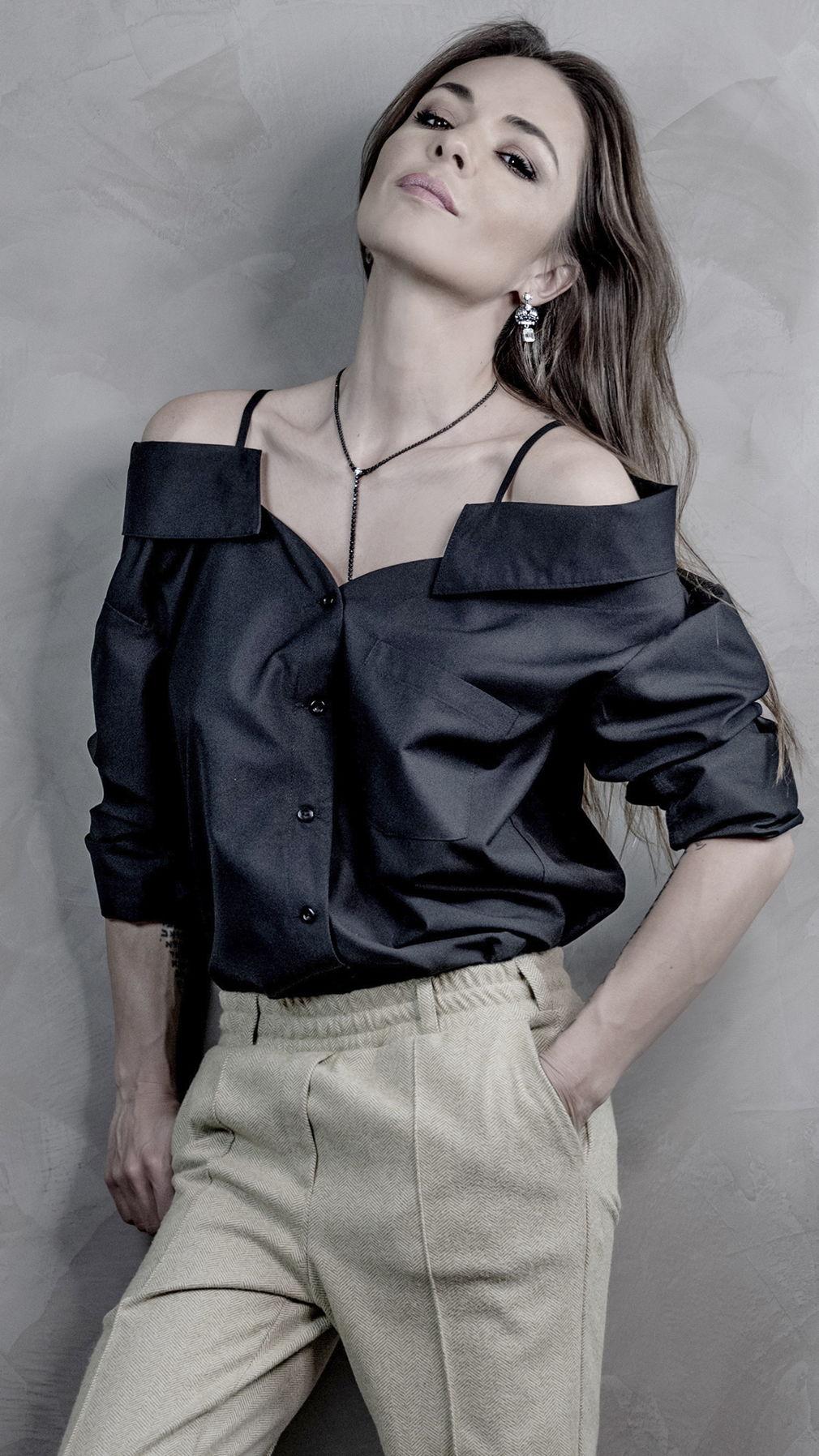 Голая рубашка