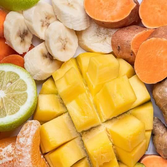 Zutaten Smoothie :Mango, Limette, Banane , Süßkartoffel, Ingwer, Orange