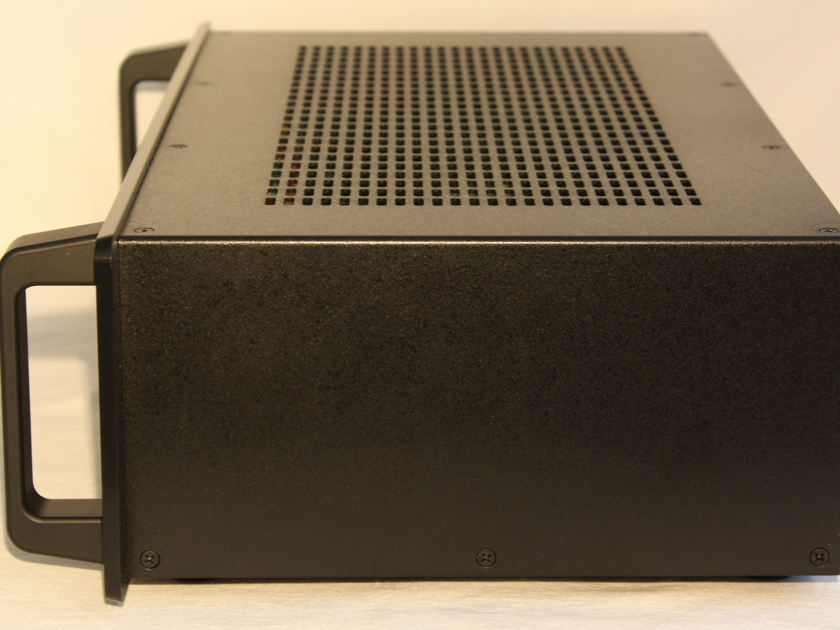 Audio Research DAC-8 D/A Converter with Black Front.