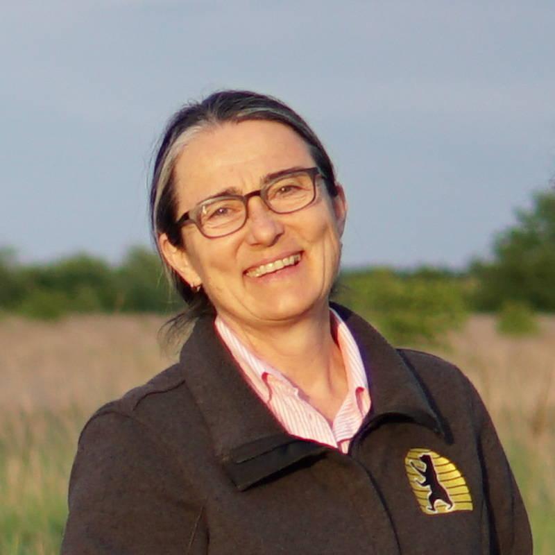 Dr. med. Rita Jäger, Imkerin und Mama von Johanna