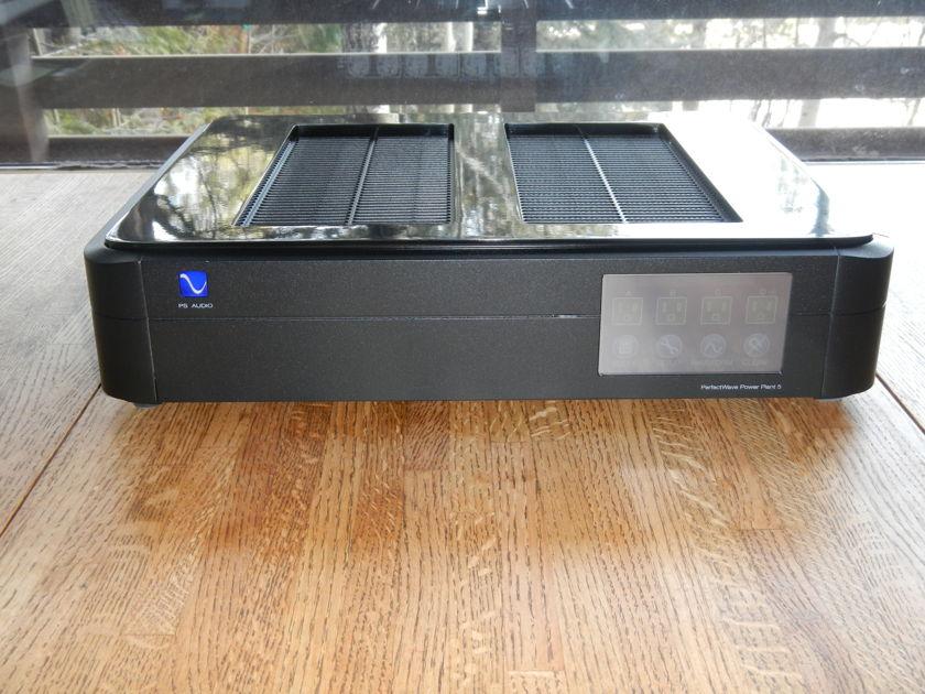 PS Audio P5 AC Regenerator Black