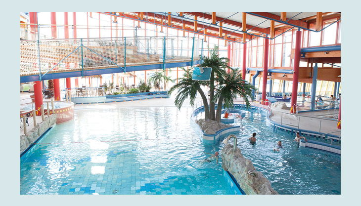 bg wonnemar sonthofen erlebnisbad innen palmen hochsteg