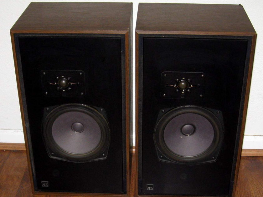 ADS A D S A/D/S L520 speakers