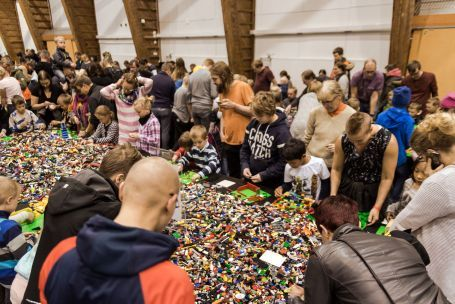 LEGO Building table 2016 event