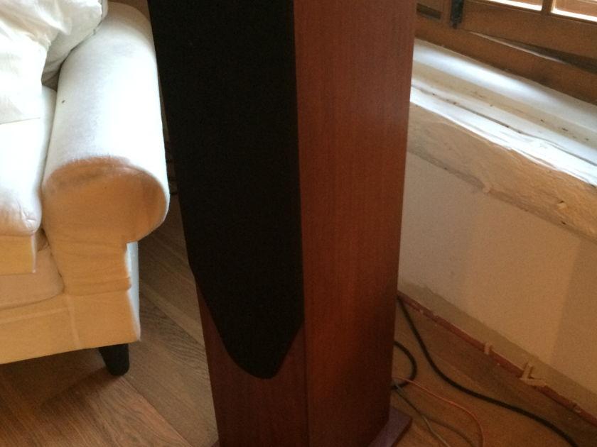 Proac Studio 200 In mahogany -