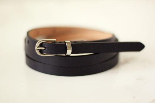 Кожаный узкий ремень черный
