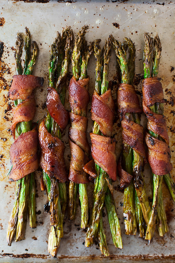 Keto bacon wrapped asparagus