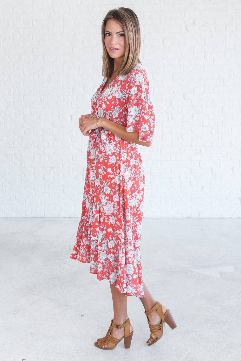 Summer Reading List 2018 coral floral dress