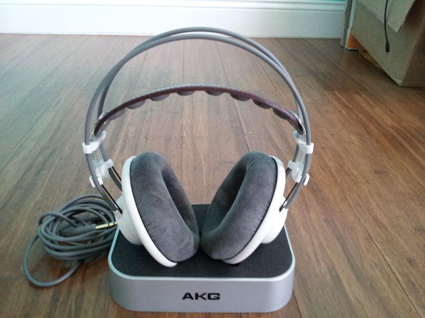 AKG K701 / K-701 Stereophile Headphones
