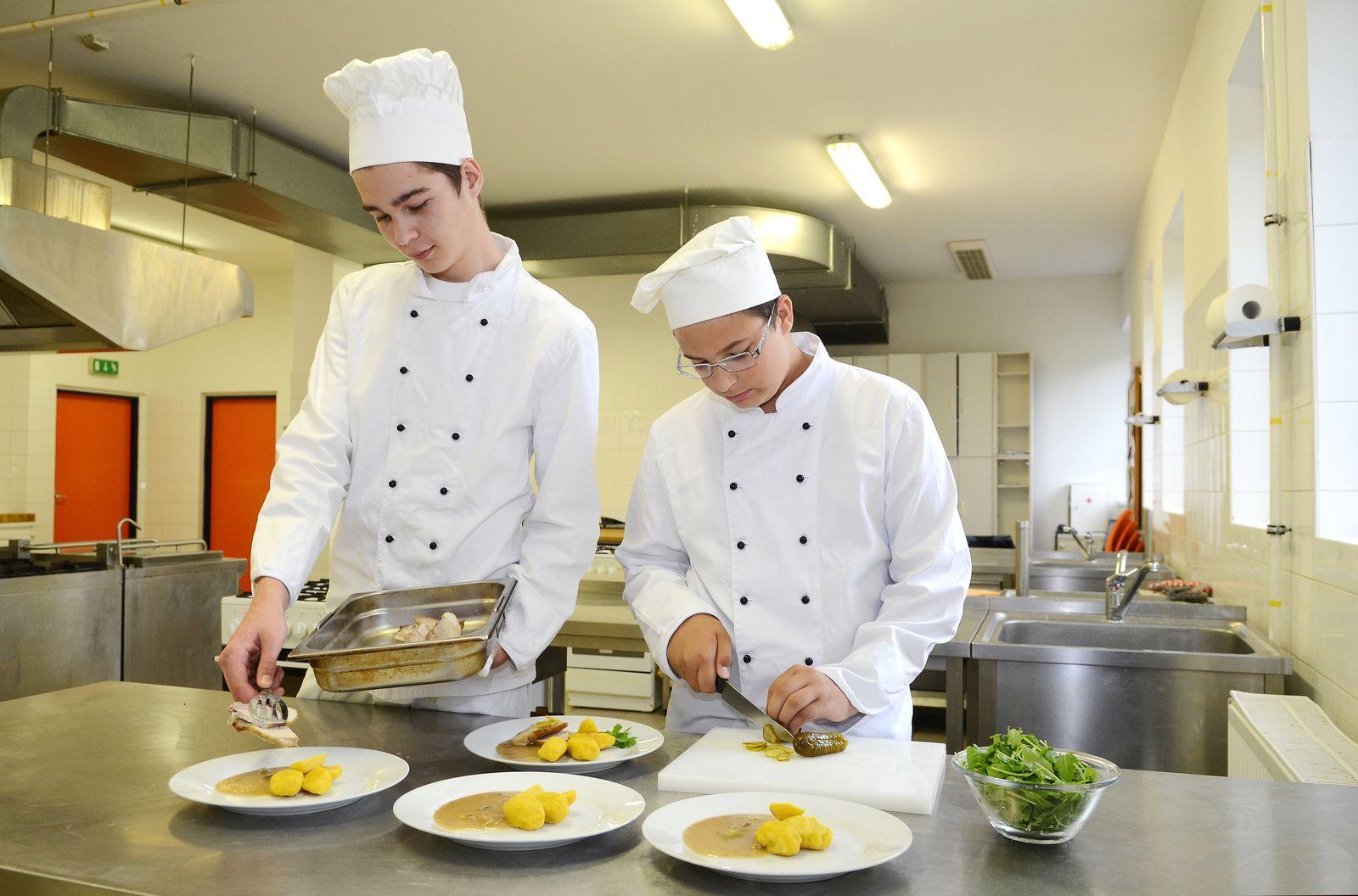 obor kuchař číšník