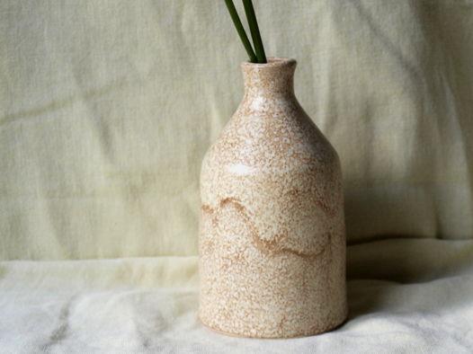 Миниатюрная гончарная вазочка