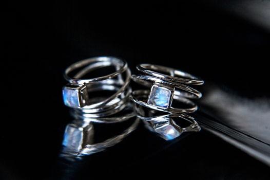 Серебряное кольцо на фалангу или мизинец с лунным камнем