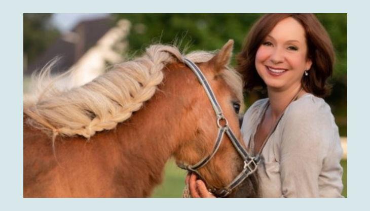 iris brosen mit pferd