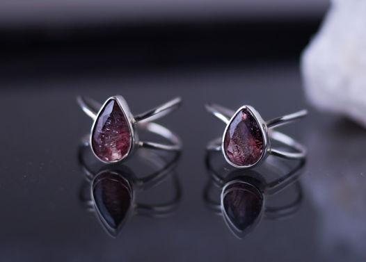Серебряное кольцо с уникальным камнем Melody (Супер 7)