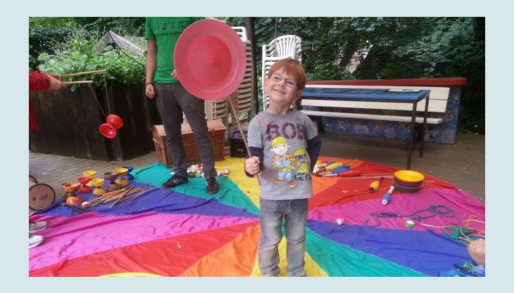 regenbogenhaus bastel und spielzeit