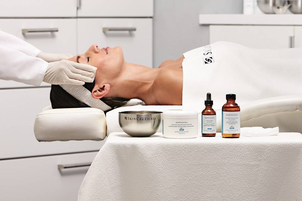 SKINCEUTICALS FACIAL TREATMENT AT PEBBLE AESTHETIC