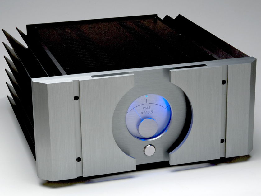 Pass Labs X250.5 Stereo Amplifier ( Very Nice Unit )